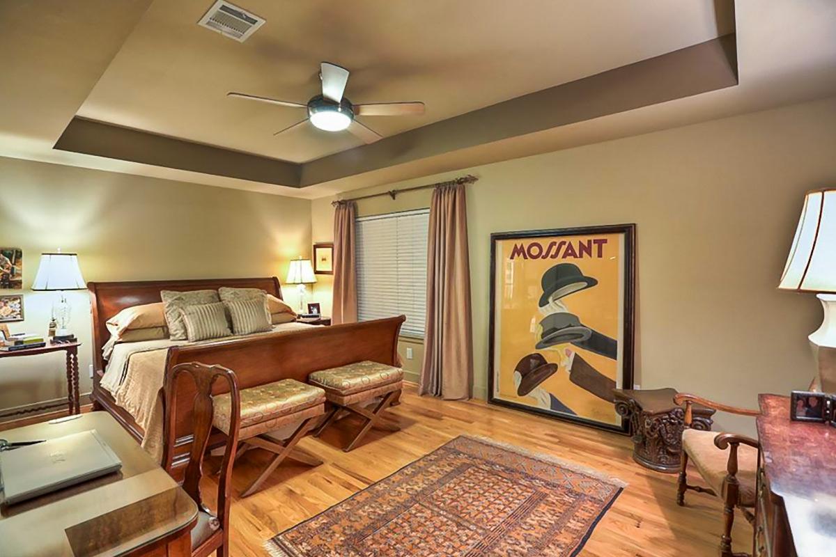 januari works interior design transitional ectectic. Black Bedroom Furniture Sets. Home Design Ideas
